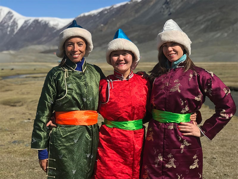 WOAM Mongolia women in traditional costumes